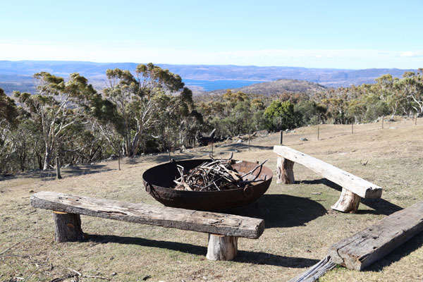 b&b snowy mountains nsw