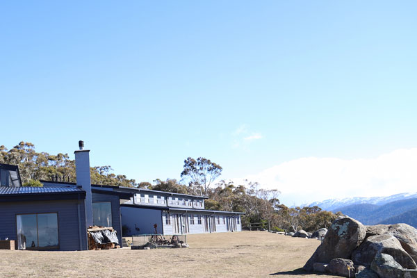 snowy mountains resort accommodation